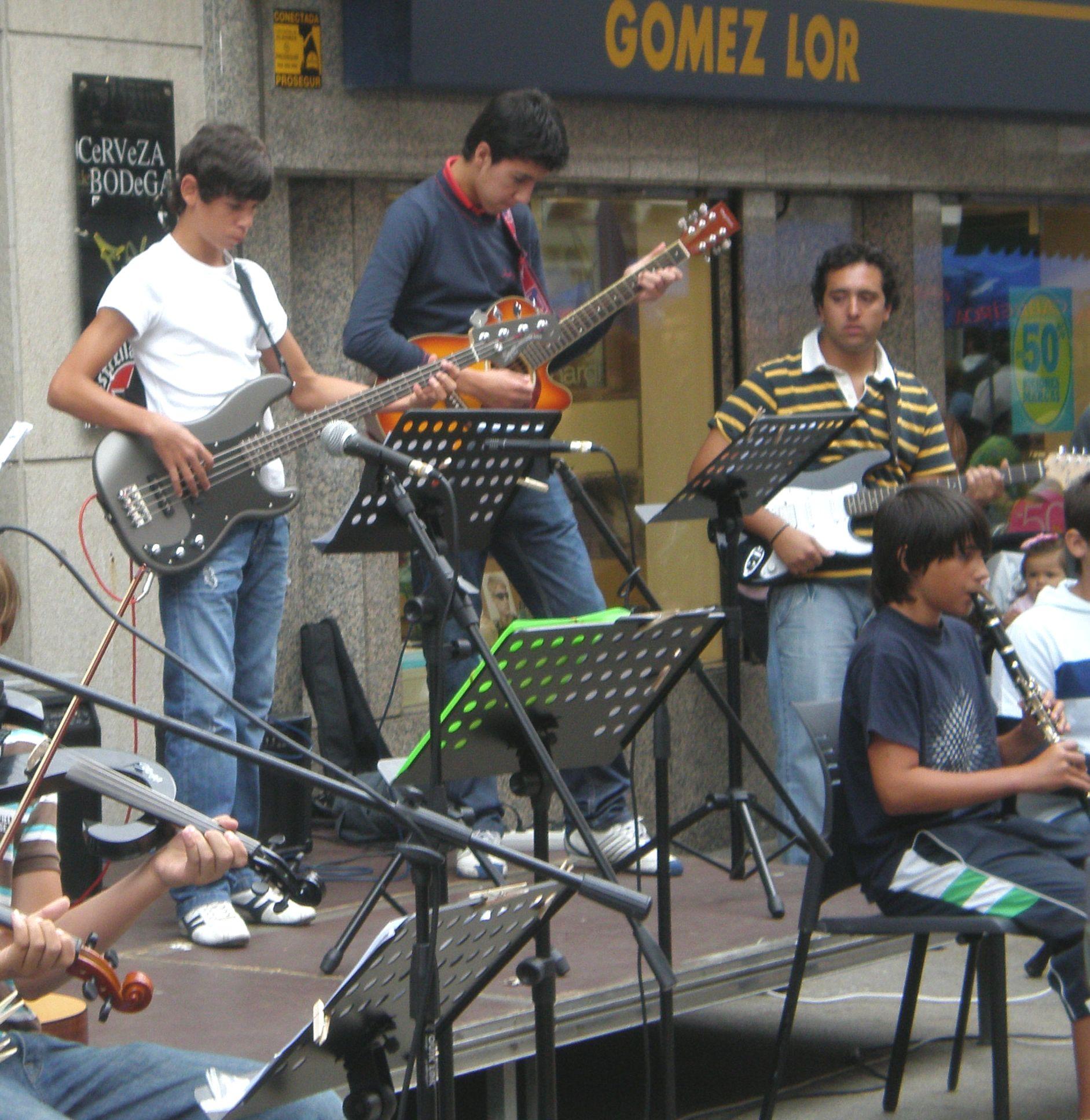 veran-musical-08-pablo-bass-roi