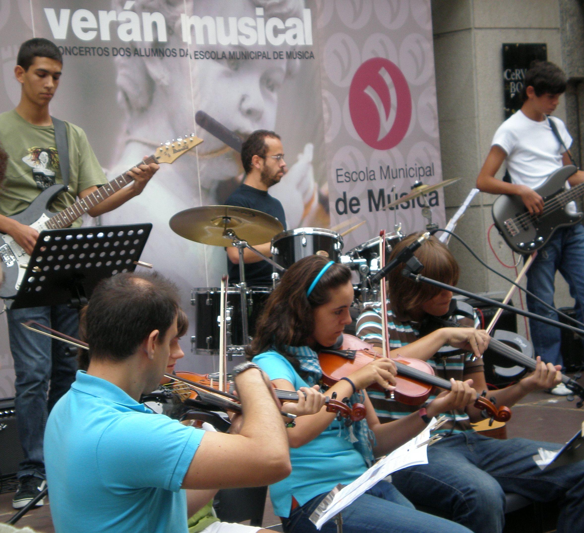 veran-musical-08-violins